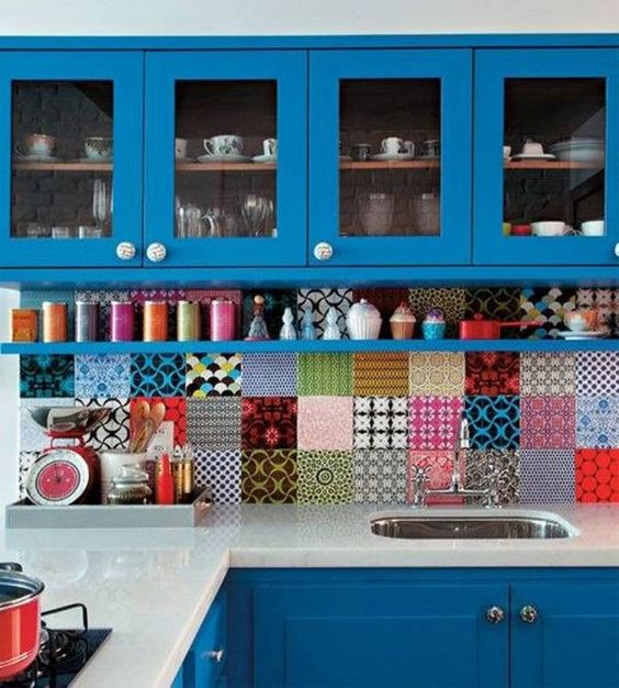 cuisine-coloree-couleur-bleu